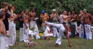 Cronistas brasileiros ajudaram a transformar a imagem da capoeira noinício do século 20