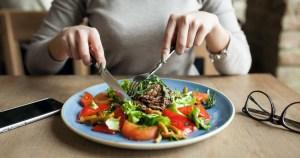 Estudo mostra como o hormônio do crescimento age no cérebro e estimula o apetite