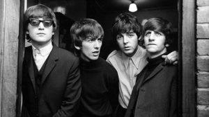 Beatles na viola caipira e no contrabaixo