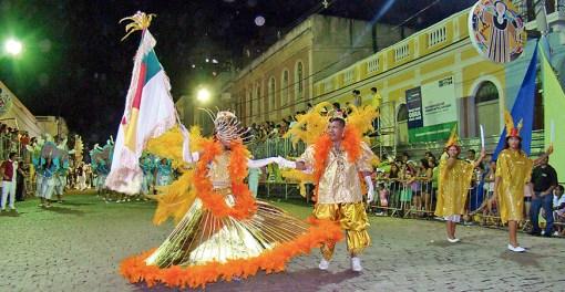 A escola de samba Imperatriz já desfilava nos idos dos anos 1970 graças à ajuda da Família Cambará (Fotos: Agência Navepress/Divulgação)
