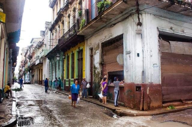 Nossa melhor arquitetura ao cair nas mãos do Estado tornou-se ruínas e escombros. Para lá vai Venezuela,Argentina,Brasil . . .