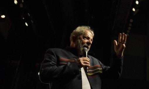 Lula participa de encontro com artistas e intelectuais no Rio- Guito Moreto / Agência O Globo