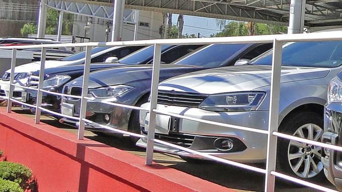 componentes originados, Anfavea divulga,Venda de importados cai, carros de luxo