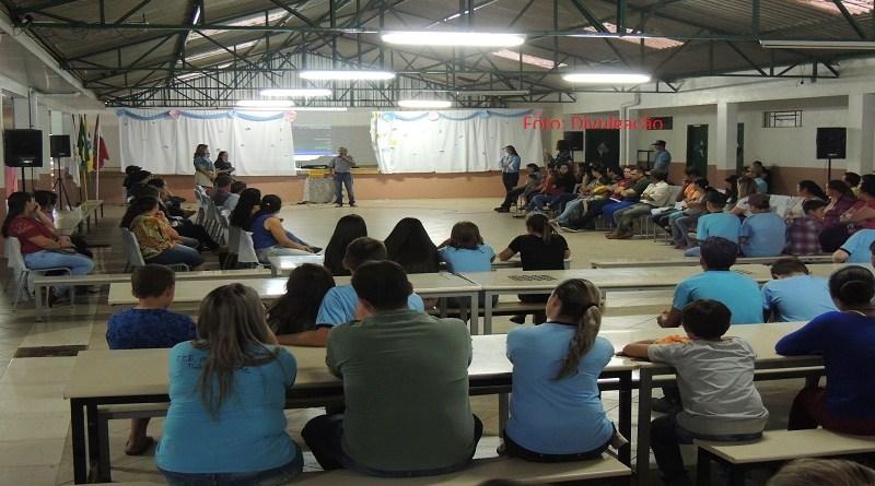 Escola Machado de Assis, de Timbó Grande, comemora inclusão no ensino médio integral