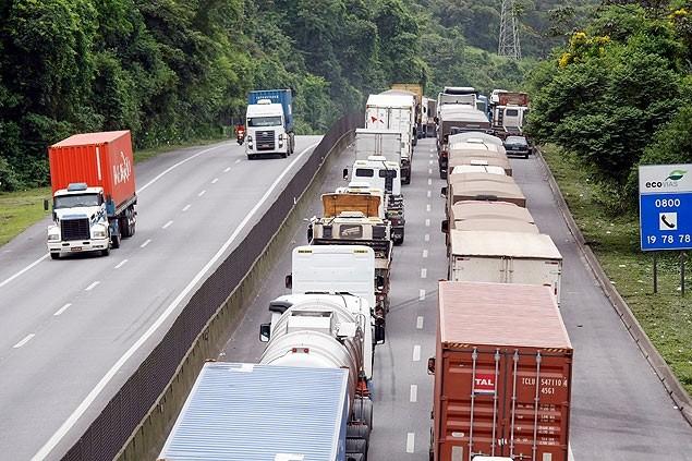 Com menos carros de passeio nas rodovias, Brasil registra queda em acidentes de trânsito