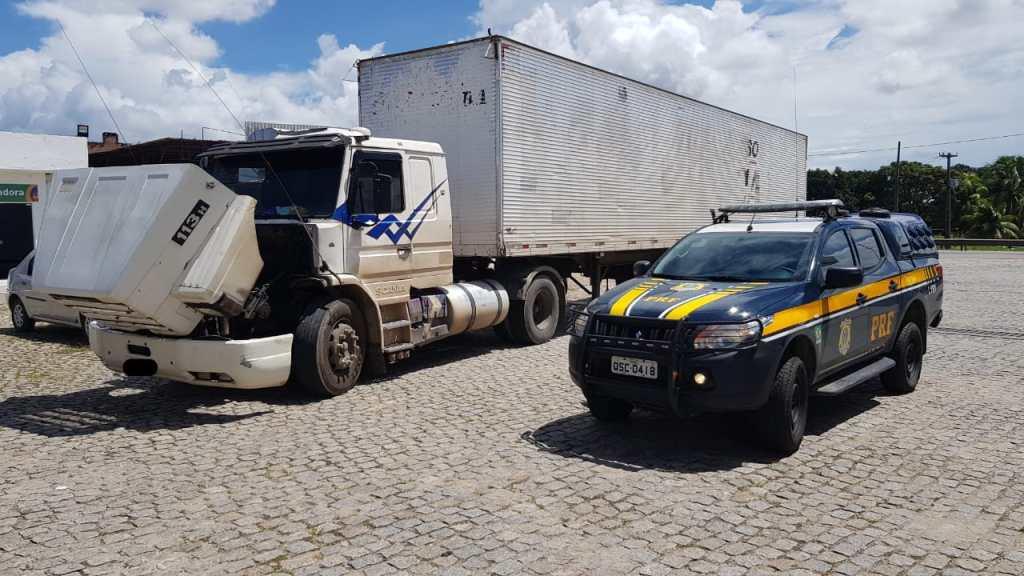 PRF da Paraíba recupera caminhão roubado há 17 anos