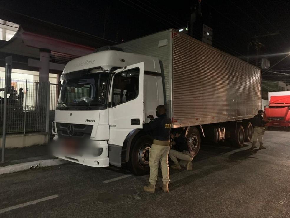 Quadrilha especializada em roubo de cargas é presa no Vale do Ribeira, SP
