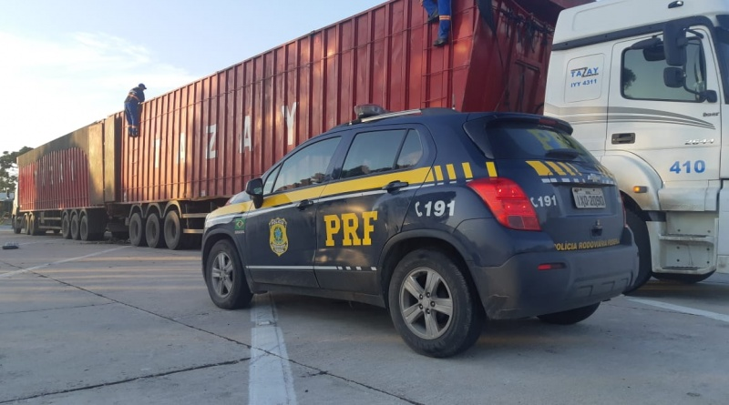 Um dia depois, transportadora é flagrada novamente com excesso de peso na BR-293