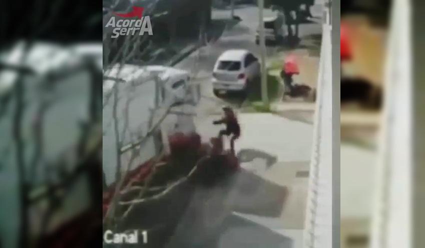 Caminhoneiro e ajudante entram em luta corporal com assaltantes para salvar idosa 2