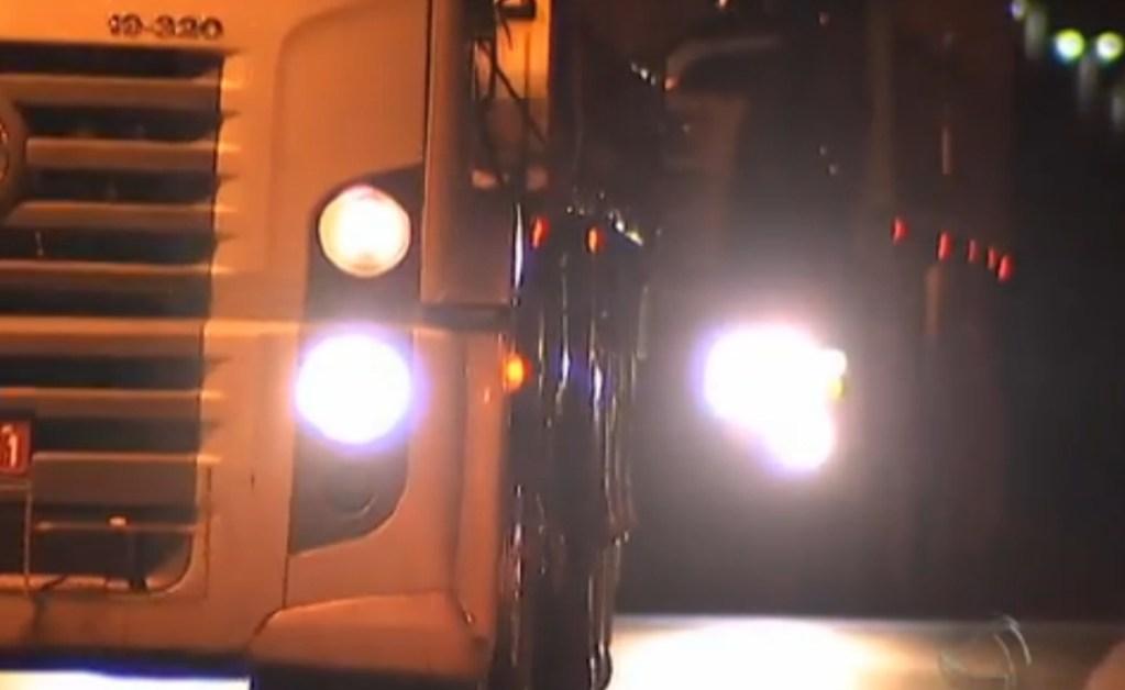 Polícia busca caminhoneiro que abandonou a esposa na BR-101 e seguiu viagem