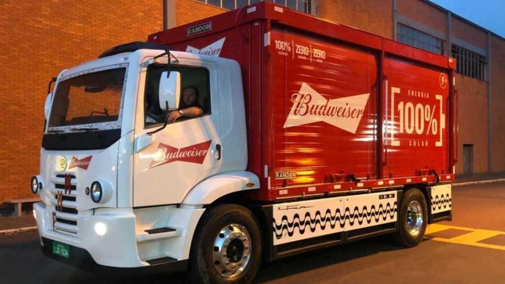 1.000 FNM elétricos vão entregar cerveja para a Ambev