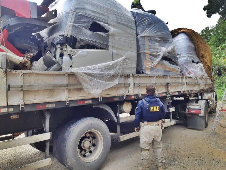 PRF recupera três cabines de caminhões Volvo FH roubadas na BR 101, em Viana/ES