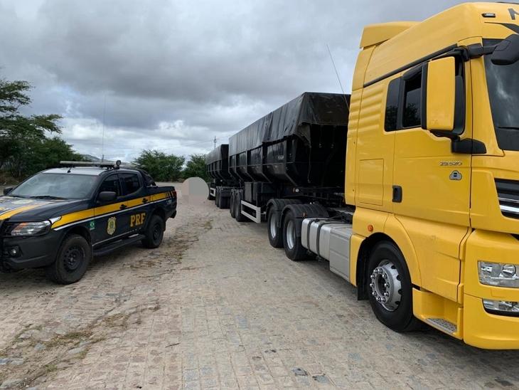 Multa de R$108 mil: PRF flagra novo Meteor transportando carga de 54 toneladas sem nota fiscal no PE