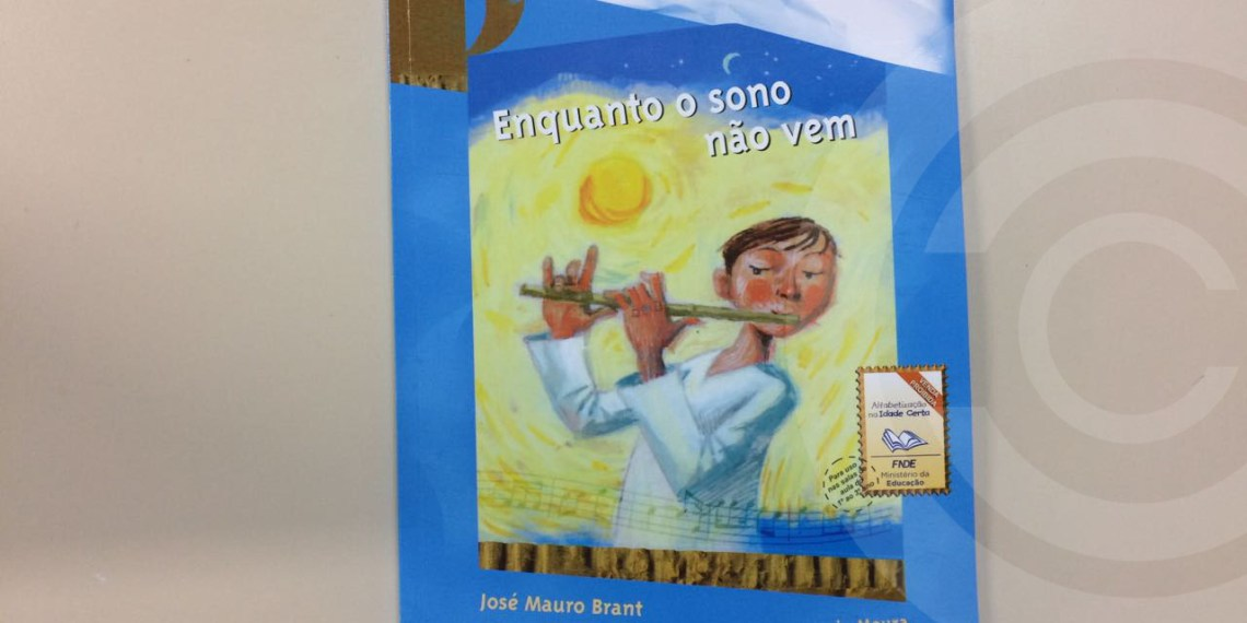 Livro em escolas de Florianópolis sugere casamento entre pai e filha