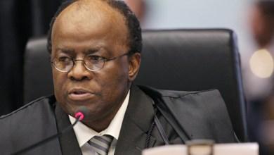 Photo of Ministro Joaquim Barbosa diz que deixará o Supremo em junho