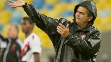 """Photo of Vitória diz que foi pego de surpreso por Ney Franco e avisa que vai cobrar multa: """"ele vai pagar"""""""