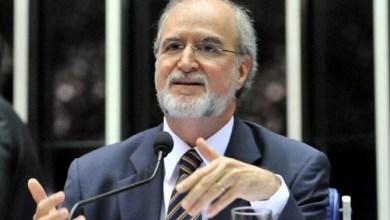 Photo of Acusado no mensalão tucano, Eduardo Azeredo renuncia ao mandato de deputado