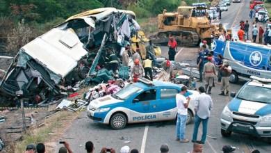 Photo of Bahia: Laudo reforça que trator não estava amarrado a caminhão em acidente que matou 14
