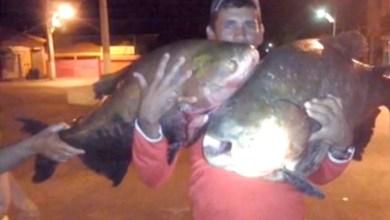 Photo of Chapada: Grupo sai para pescar e captura dois peixes de 30 quilos no Rio das Contas