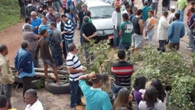 Photo of Chapada: Manifestantes de Jacobina fecham BR-324 e pedem recuperação da via