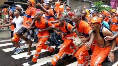 Photo of Após aumento de 37%, termina a greve de garis no Rio de Janeiro