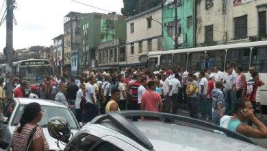 Photo of Caos em Salvador: Rodoviários abandonam ônibus, fecham Aquidabã e saem em marcha