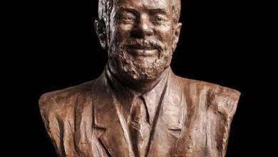 Photo of Ex-presidente Lula ganha estátua em Bronze ao lado da Casa Branca