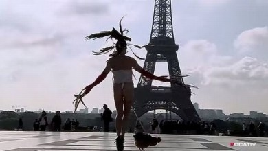 Photo of Mundo: Artista é condenado após dançar com galo amarrado ao pênis em Paris