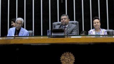 Photo of Valmir preside sessão na Câmara pela primeira vez e destaca aprovação de projetos
