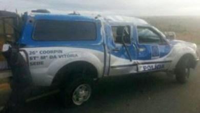 Photo of Viatura capota com cinco presos e três policiais em Ipirá; um morreu