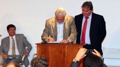 Photo of Governador assina decreto que regulamenta a gestão das florestas da Bahia