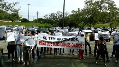 Photo of Aprovados em concurso protestam em frente ao TCE e denunciam irregularidades