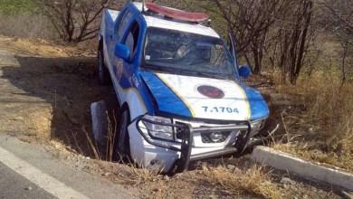 Photo of Bahia: Policiais ficam feridos em acidente com viatura da PRE na BR-242