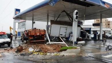 Photo of Conquista: Caminhão perde freio, atinge quatro veículos e deixa quatro feridos