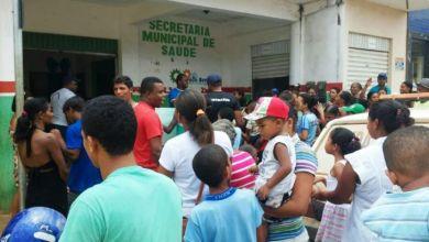 Photo of Moradores de Presidente Tancredo Neves saem às ruas em protesto pela Saúde