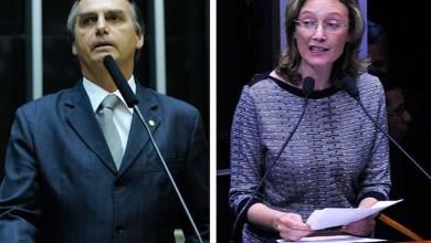Photo of Bolsonaro repete que não estupra deputada porque ela 'não merece'
