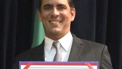 Photo of Leur Lomanto Jr. divide satisfação pela diplomação com eleitores