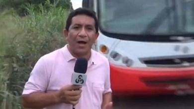 Photo of Vídeo: Repórter escapa de atropelamento durante gravação sobre perigo nas estradas