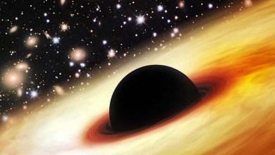 Photo of Buraco negro gigante impõe enigma aos cientistas; é 12 bilhões de vezes maior que o Sol