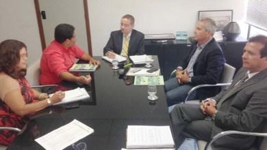 Photo of Secretaria de Infraestrutura Hídrica vai levar água para assentamentos baianos