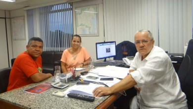 Photo of Prefeita de Uruçuca solicita a secretário asfaltamento de ruas e novo Mercado Municipal