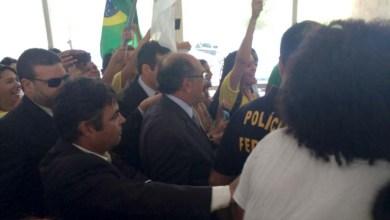 Photo of Estudantes da Ufba protestam durante visita do ministro Gilmar Mendes em Salvador