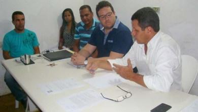 Photo of Chapada: Prefeito recebe sem teto e disponibiliza procurador para intermediar conflito em Boa Vista do Tupim