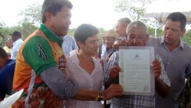 Photo of Chapada: Governo entrega 58 títulos e começa ação discriminatória de terras em Boa Vista do Tupim