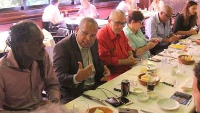 Photo of Bancada de oposição da Câmara de Salvador debate estratégias políticas com Josias Gomes