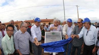 Photo of Governo baiano entrega 200 moradias no município de Paulo Afonso