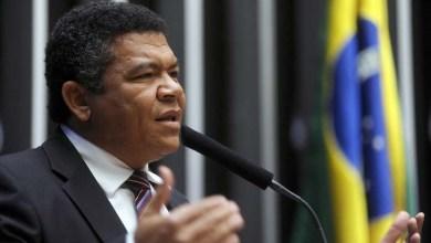 Photo of Valmir considera relatório de Jovair frágil e diz que Dilma vence no plenário