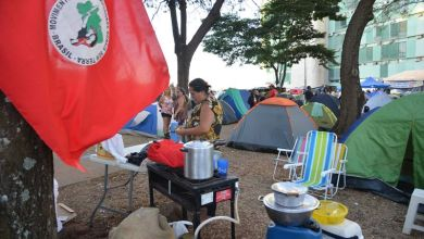 Photo of Sem-terra encerram protesto e desmontam acampamento no Ministério da Fazenda
