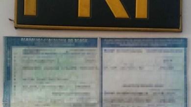 Photo of Chapada: Caminhoneiro com documentação falsa é flagrado pela PRF na região de Itaberaba
