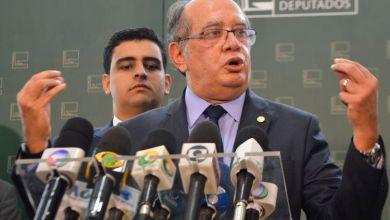 Photo of Gilmar Mendes suspende a posse de Lula; processo volta ao juiz Sérgio Moro
